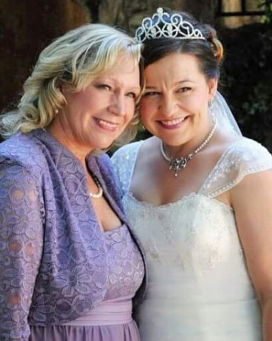 Image of Renate with her daughter at daughter's wedding